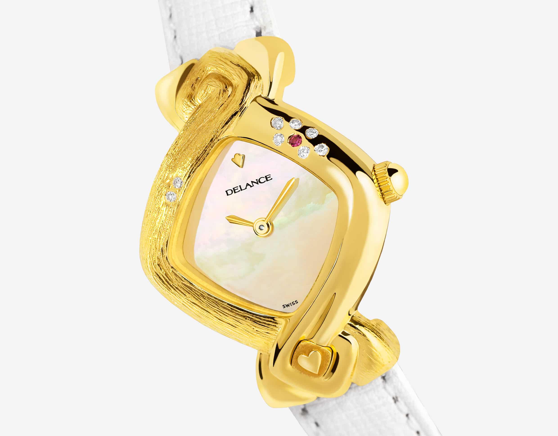 Die Uhr für die Braut : Paloma: Golduhr mit 8 Diamanten und einem Rubinen, Zifferblatt Perlmutter weiss, vergoldete Hände, Goldcabochon Lederarmbanduhr weiss