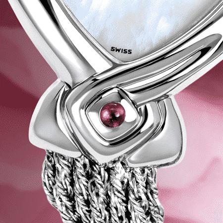 Armbanduhr für Frauen: Judith: Stahlduhr mit 2 Diamanten, Zifferblatt Perlmutter weiss, vernickelte Hände, Stahlcabochon mit einem Rubin, Silberarmband Cascade