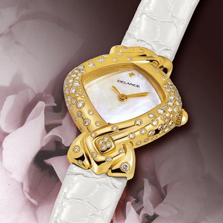 Esperanza : Montre en or sertie de 130 diamants, cadran nacre blanche, aiguilles dorées, cabochon en or avec 4 diamants à 6h, bracelet en alligator blanc