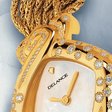 Damengolduhren mit Diamanten: Héritage: Golduhr mit 129 Diamanten, Zifferblat en Perlmutter weiss, vergoldete Hände, Goldcabochon mit 9 Diamanten, Goldarmband Cascade