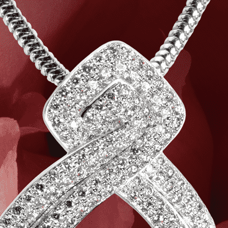 Pendentif : Or gris serti de 165 diamants