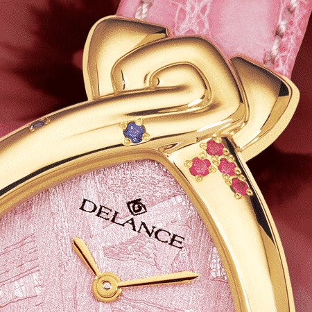 Romantische Armbanduhr für Frauen: Just for you: Golduhr mit 13 Rubinen et 4 Saphiren, Luz Zifferblatt, vergoldete Hände, Goldcabochon mit einem Rubin, Armband aus Alligator