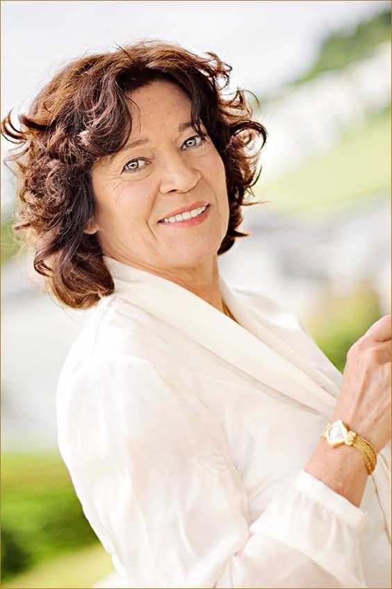 Giselle Rufer, Femme entrepreneure est aussi une conférencière internationale en français, anglais et allemand.