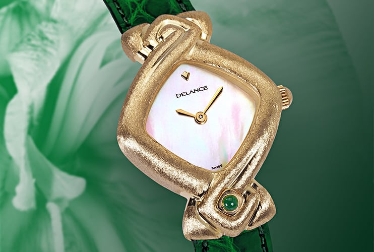 Personalized watches for women - Isis: Gold watch, white mother-of pearl dial, gold-plated hands, gold cabochon with an emerald, green alligator strap